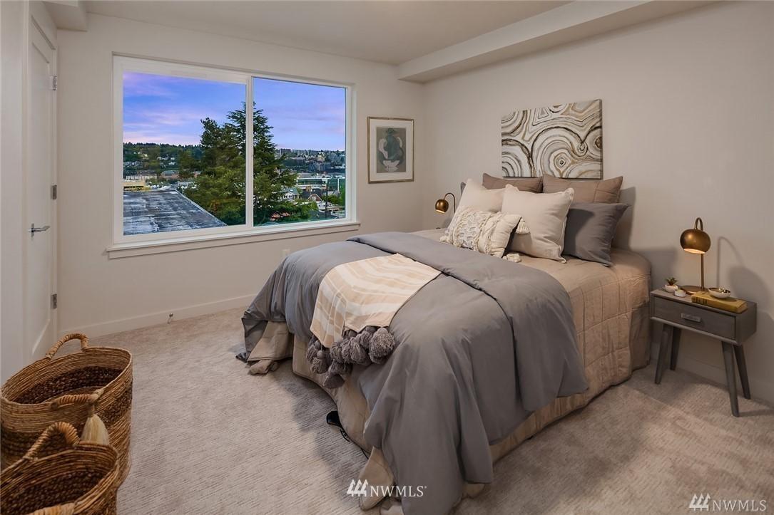 Sold Property   2364 Franklin Avenue E #A Seattle, WA 98102 12