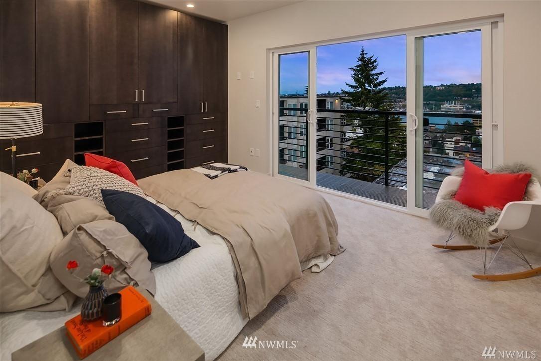 Sold Property   2364 Franklin Avenue E #A Seattle, WA 98102 14
