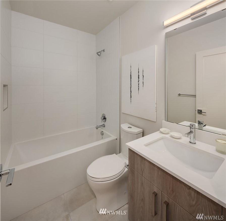 Sold Property   2364 Franklin Avenue E #A Seattle, WA 98102 15