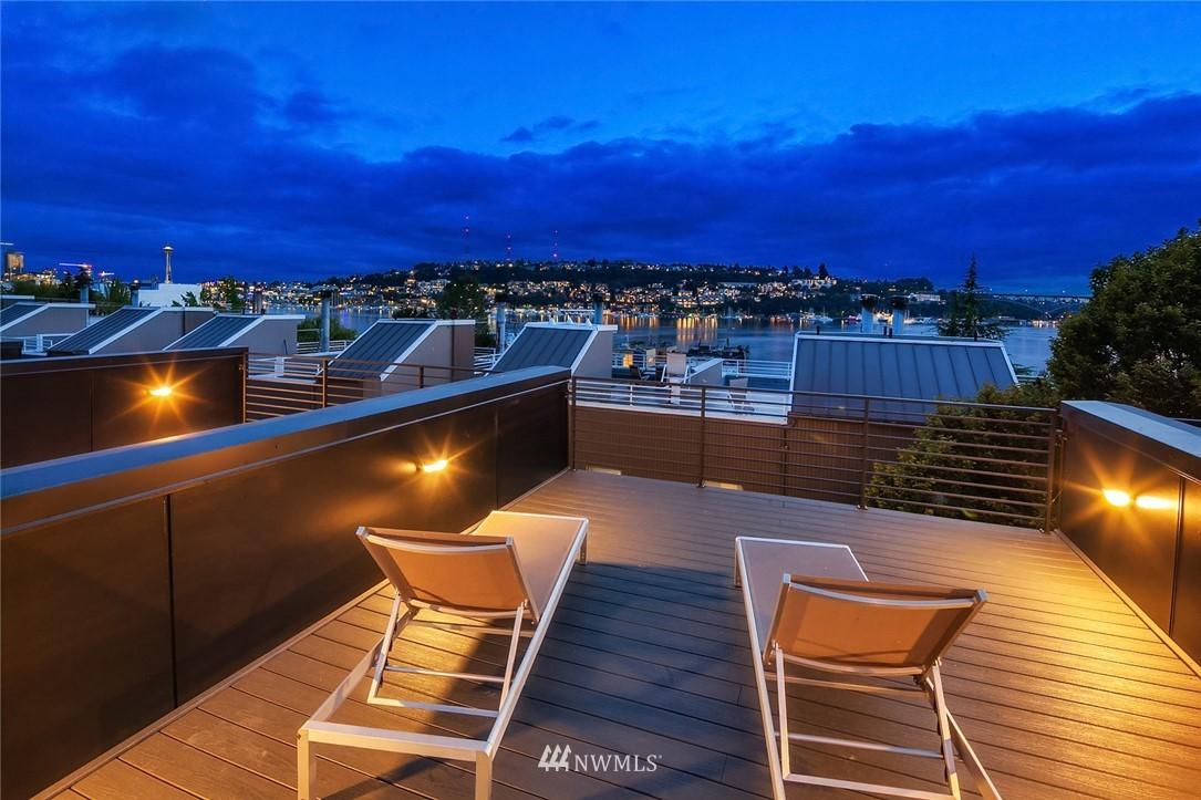 Sold Property   2364 Franklin Avenue E #A Seattle, WA 98102 19