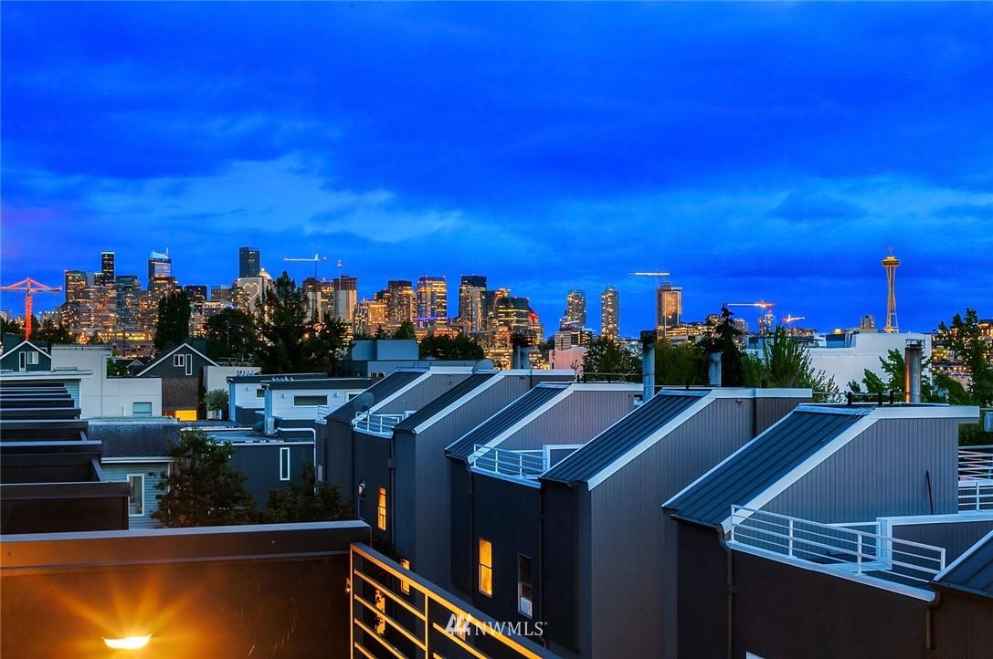 Sold Property   2364 Franklin Avenue E #A Seattle, WA 98102 21