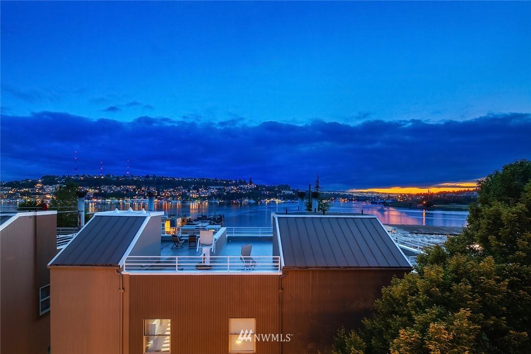 Sold Property   2364 Franklin Avenue E #A Seattle, WA 98102 22
