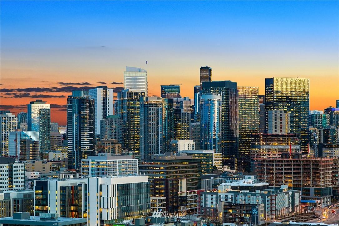 Sold Property   2364 Franklin Avenue E #A Seattle, WA 98102 25