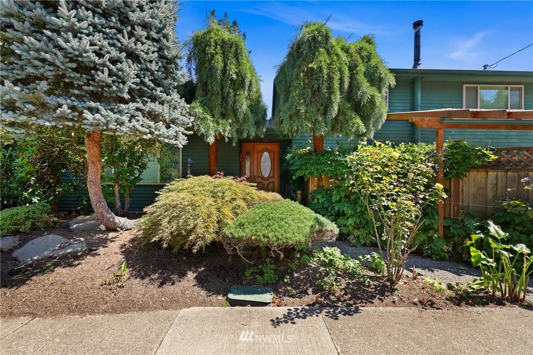 Sold Property | 10420 40th Avenue NE Seattle, WA 98125 1