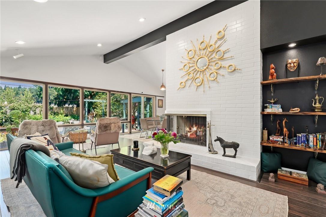 Sold Property | 10420 40th Avenue NE Seattle, WA 98125 2