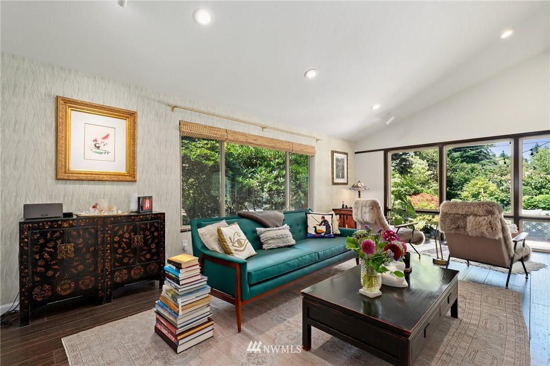 Sold Property | 10420 40th Avenue NE Seattle, WA 98125 3