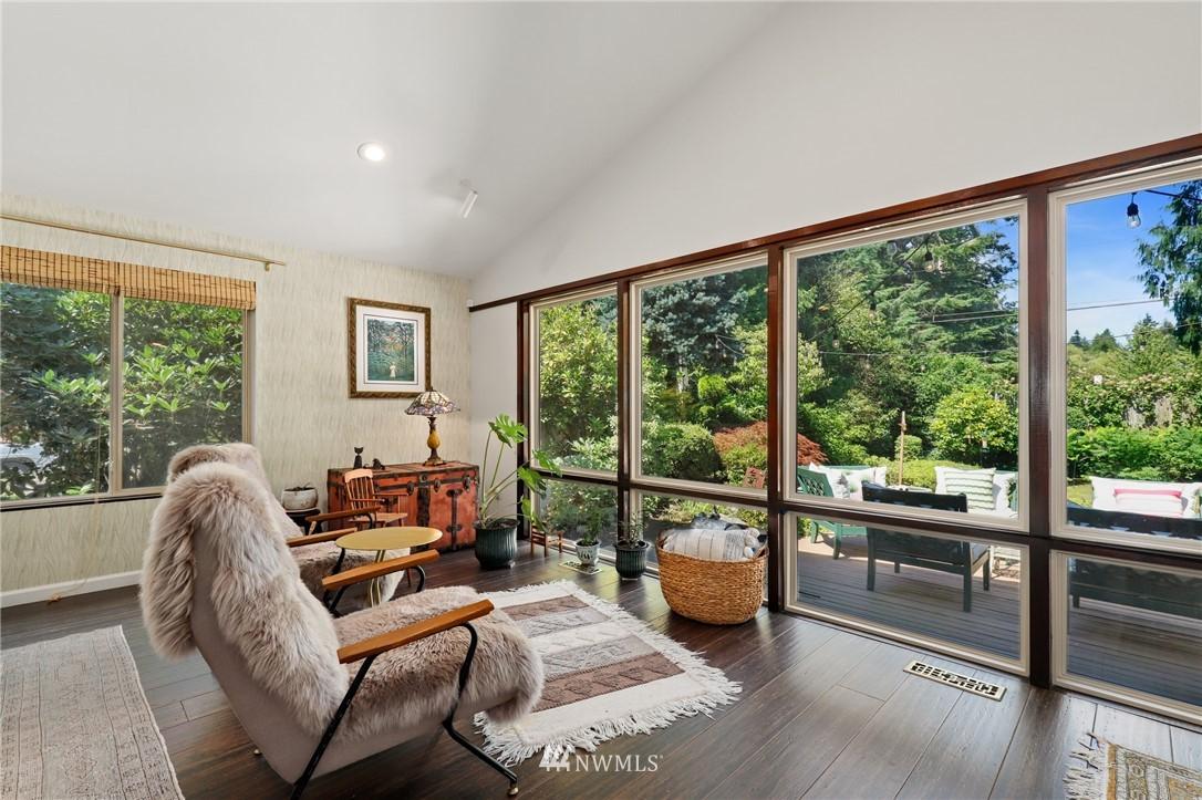 Sold Property | 10420 40th Avenue NE Seattle, WA 98125 5