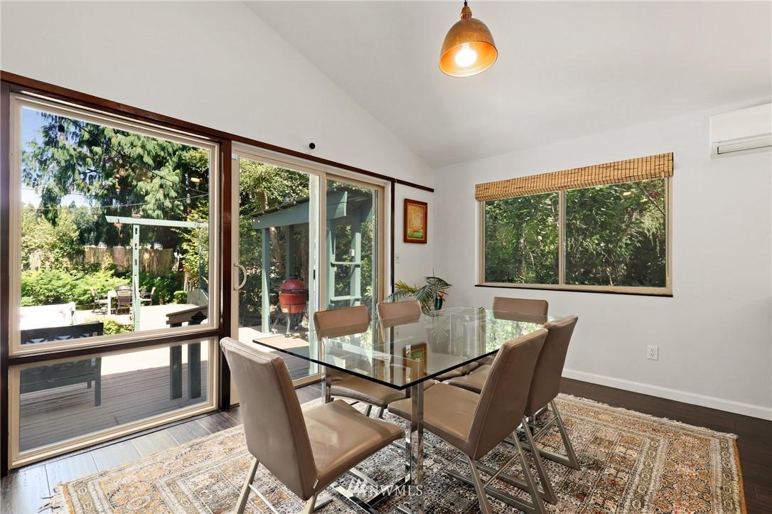 Sold Property | 10420 40th Avenue NE Seattle, WA 98125 7