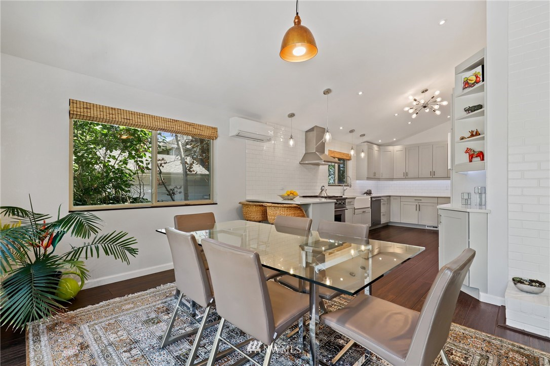 Sold Property | 10420 40th Avenue NE Seattle, WA 98125 8