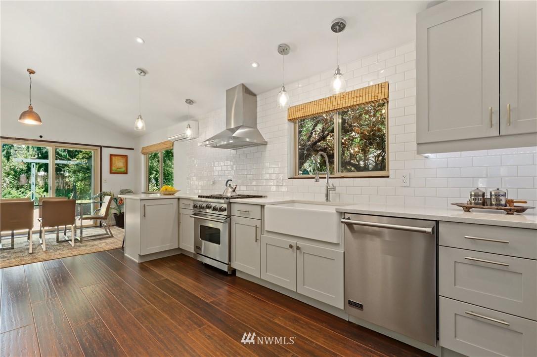 Sold Property | 10420 40th Avenue NE Seattle, WA 98125 9