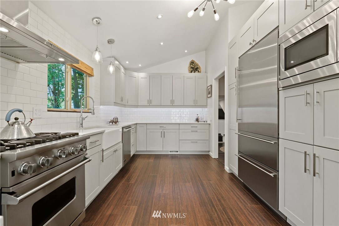 Sold Property | 10420 40th Avenue NE Seattle, WA 98125 10