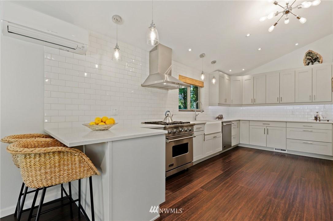 Sold Property | 10420 40th Avenue NE Seattle, WA 98125 11