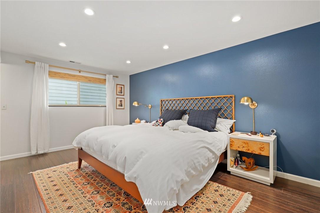 Sold Property | 10420 40th Avenue NE Seattle, WA 98125 12