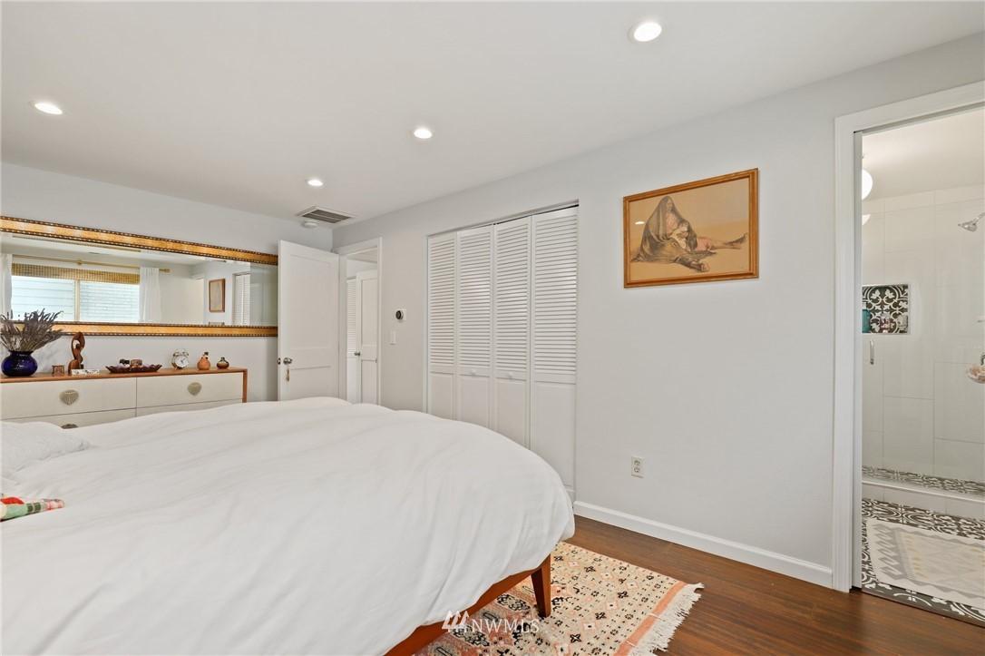 Sold Property | 10420 40th Avenue NE Seattle, WA 98125 13