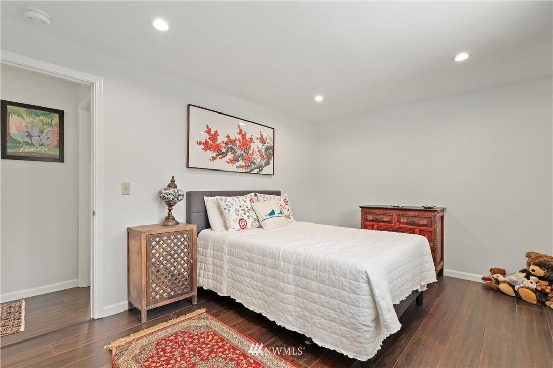 Sold Property | 10420 40th Avenue NE Seattle, WA 98125 15