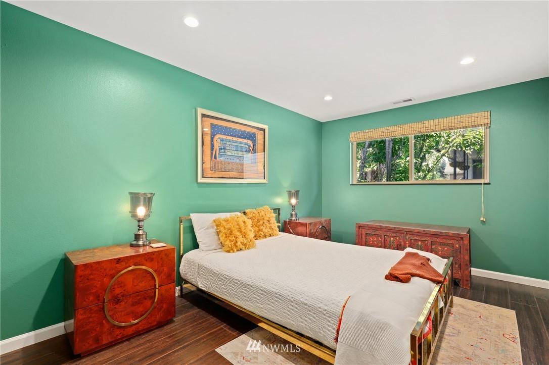 Sold Property | 10420 40th Avenue NE Seattle, WA 98125 18