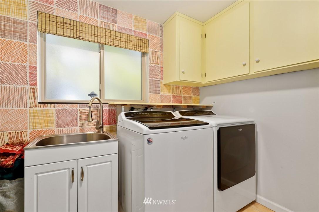 Sold Property | 10420 40th Avenue NE Seattle, WA 98125 19