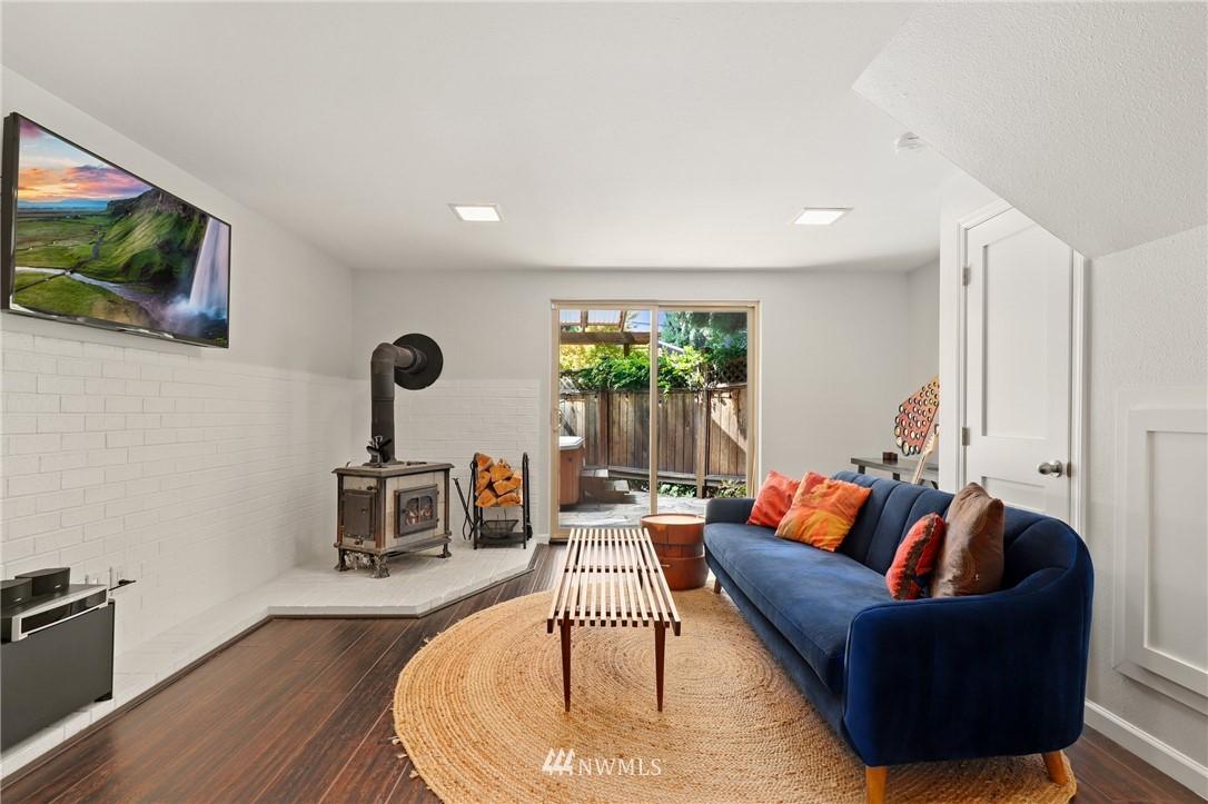 Sold Property | 10420 40th Avenue NE Seattle, WA 98125 21