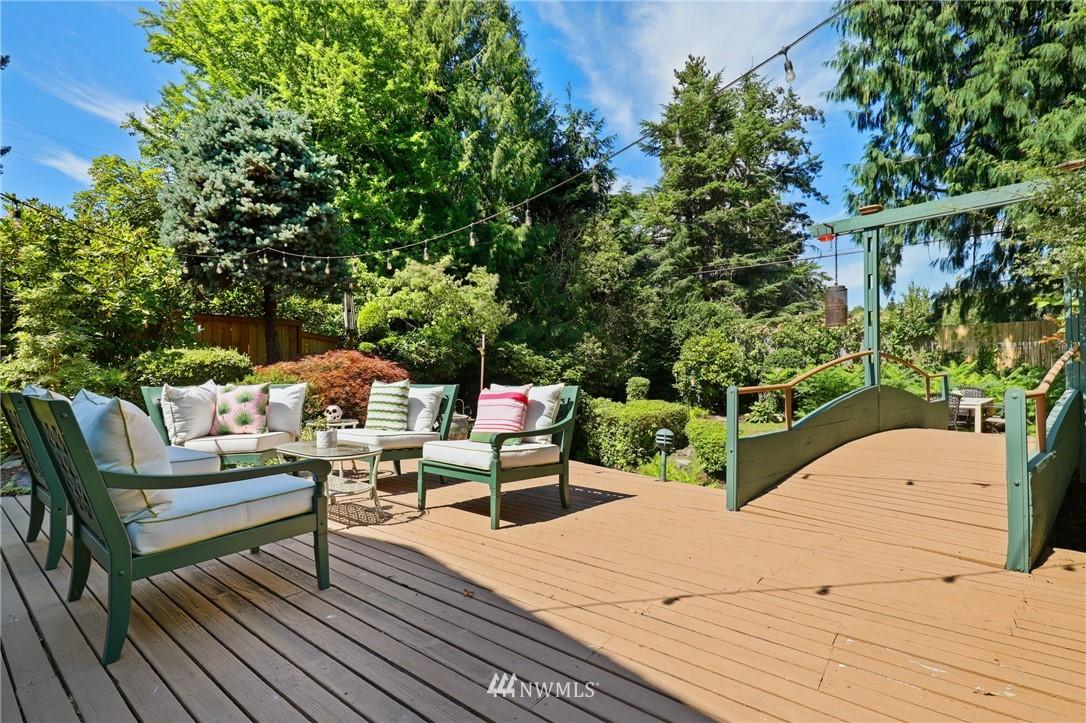 Sold Property | 10420 40th Avenue NE Seattle, WA 98125 27