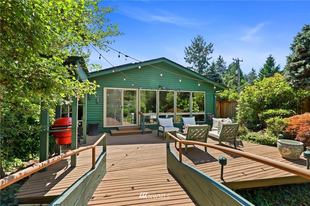Sold Property | 10420 40th Avenue NE Seattle, WA 98125 28