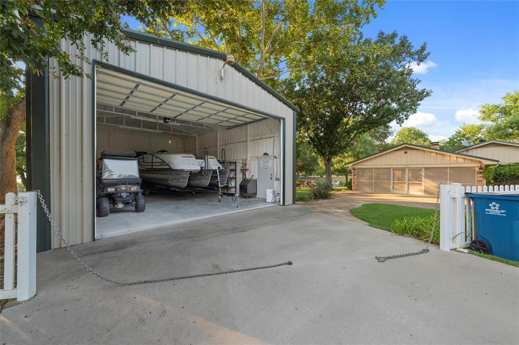Active   117 Chicasha Trail Whitney, Texas 76692 32