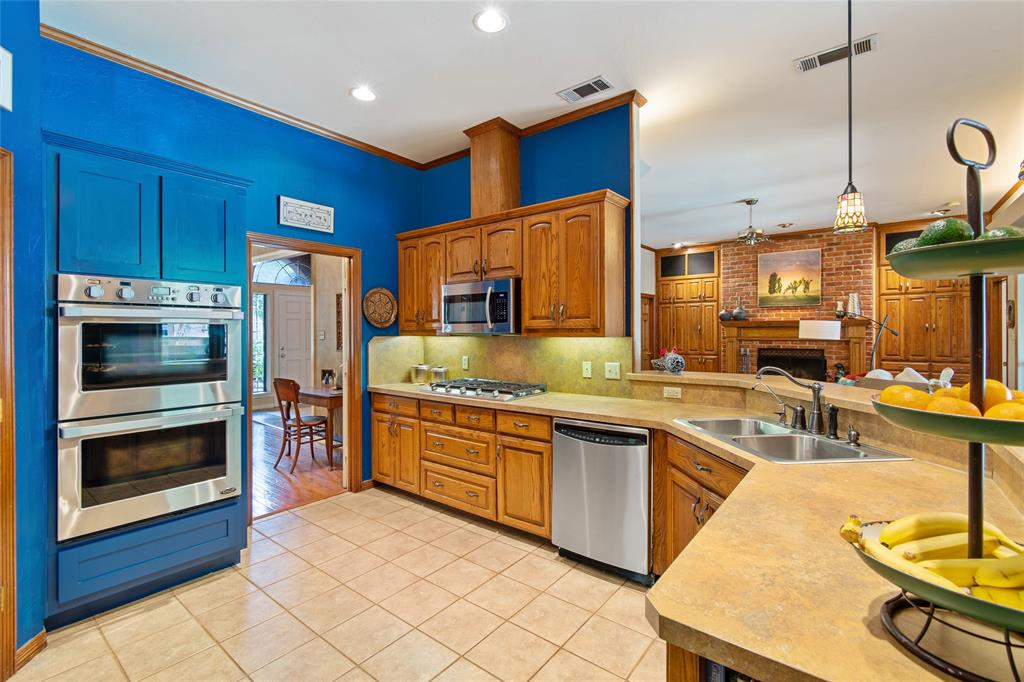 Sold Property | 336 Cedar Crest Drive Coppell, Texas 75019 10
