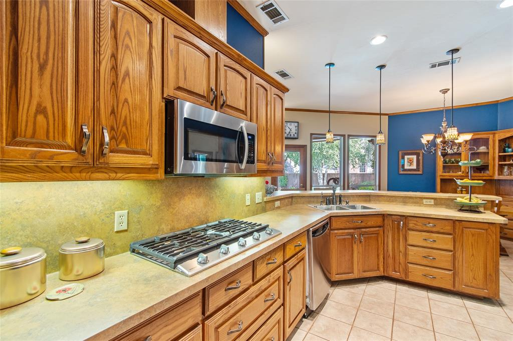 Sold Property | 336 Cedar Crest Drive Coppell, Texas 75019 9