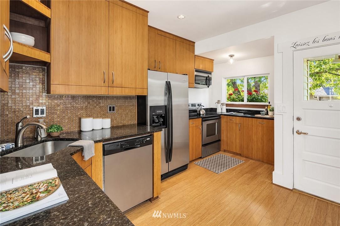 Sold Property   5215 Latona Avenue NE Seattle, WA 98105 8