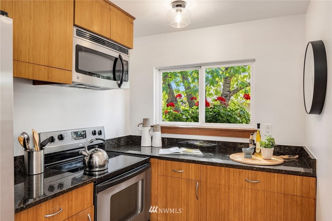 Sold Property   5215 Latona Avenue NE Seattle, WA 98105 10