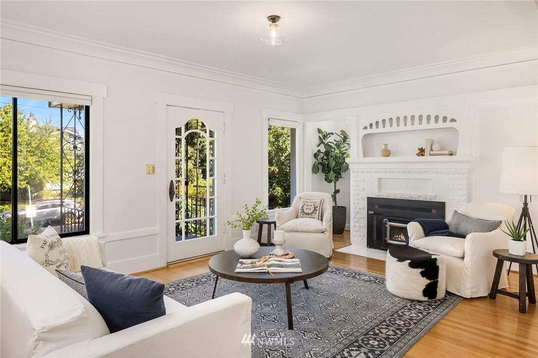 Sold Property   5215 Latona Avenue NE Seattle, WA 98105 3