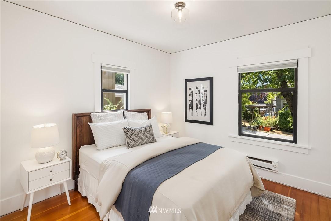 Sold Property   5215 Latona Avenue NE Seattle, WA 98105 13