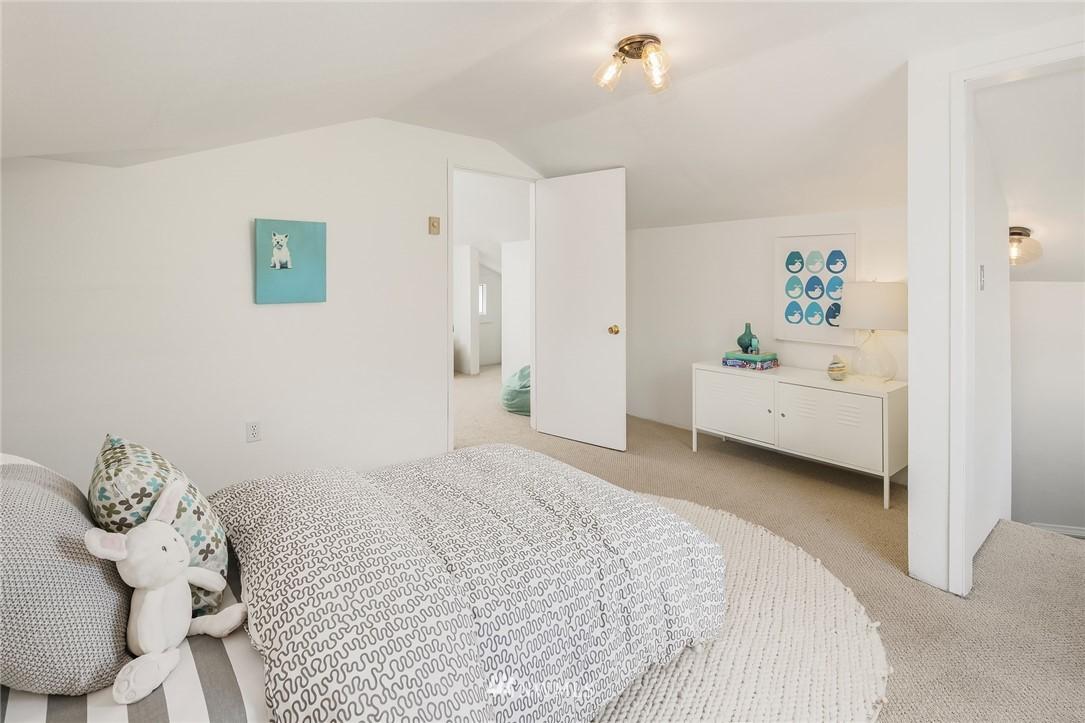 Sold Property   5215 Latona Avenue NE Seattle, WA 98105 14
