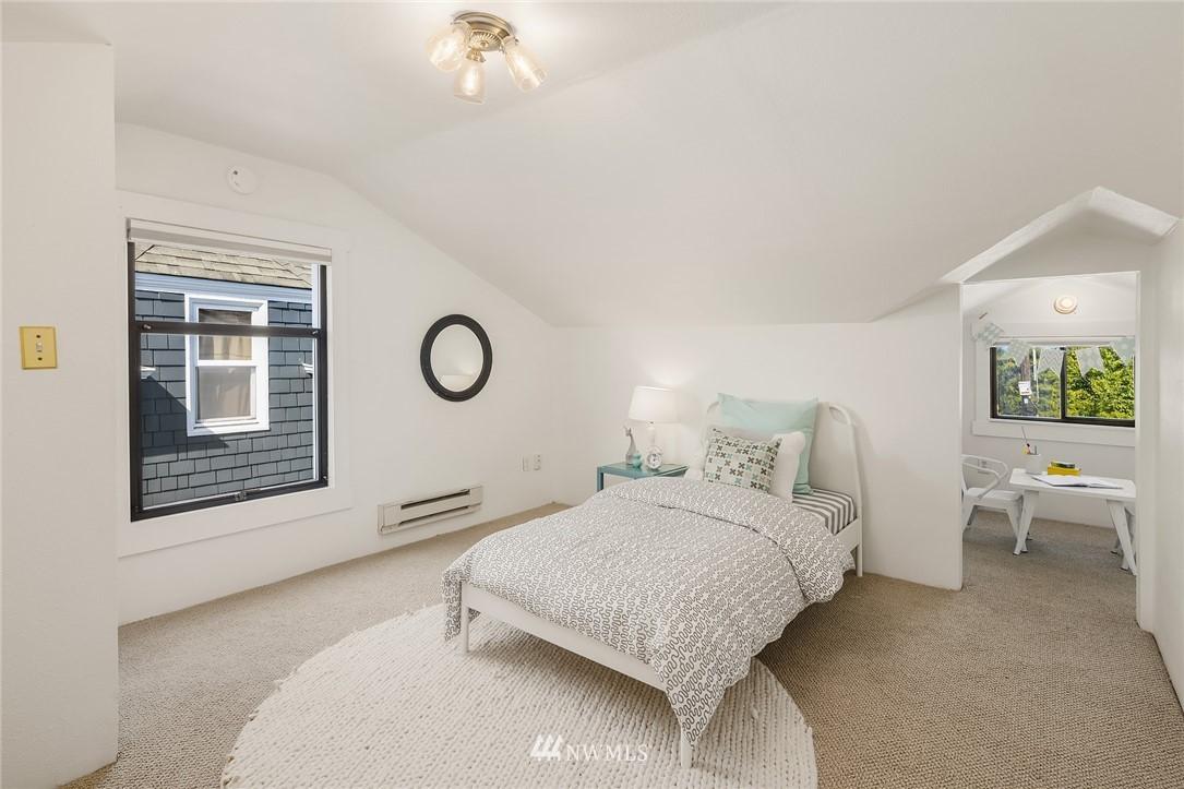 Sold Property   5215 Latona Avenue NE Seattle, WA 98105 15