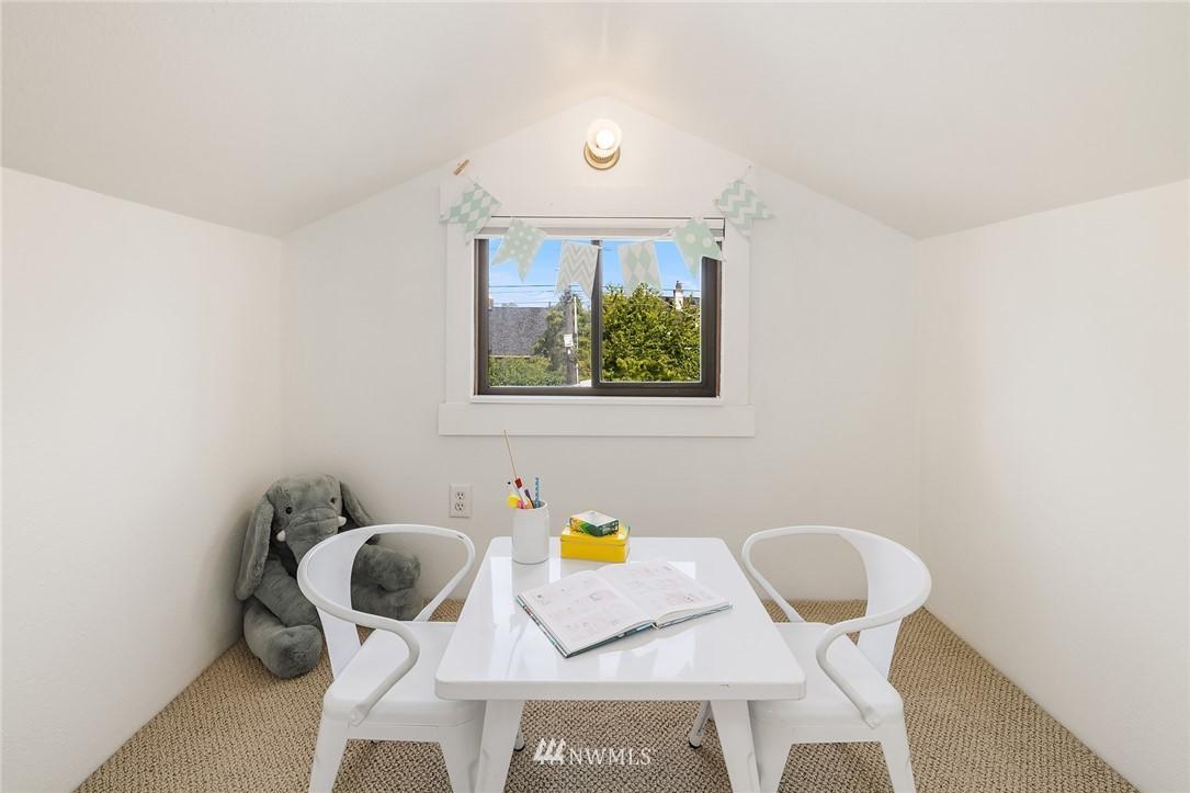 Sold Property   5215 Latona Avenue NE Seattle, WA 98105 16