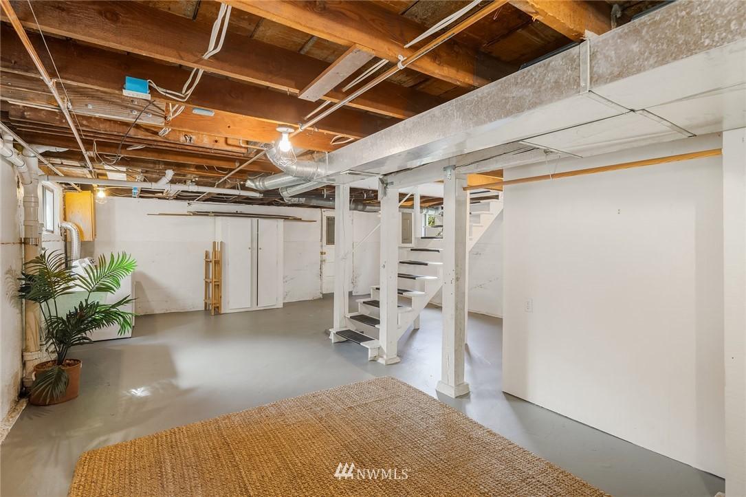 Sold Property   5215 Latona Avenue NE Seattle, WA 98105 20