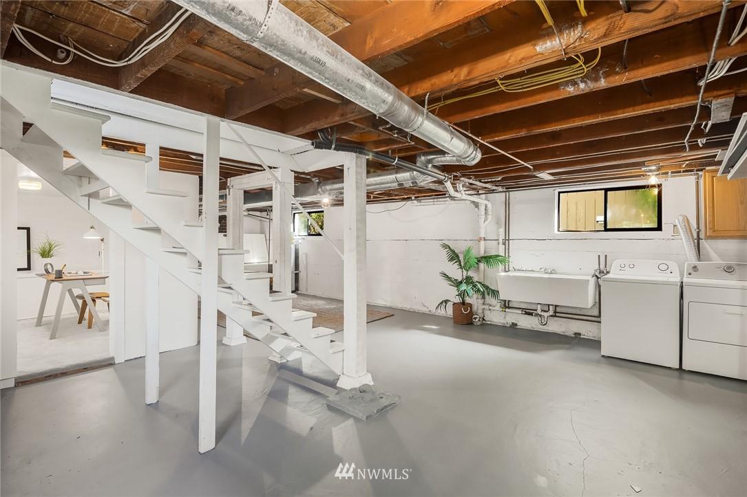 Sold Property   5215 Latona Avenue NE Seattle, WA 98105 19