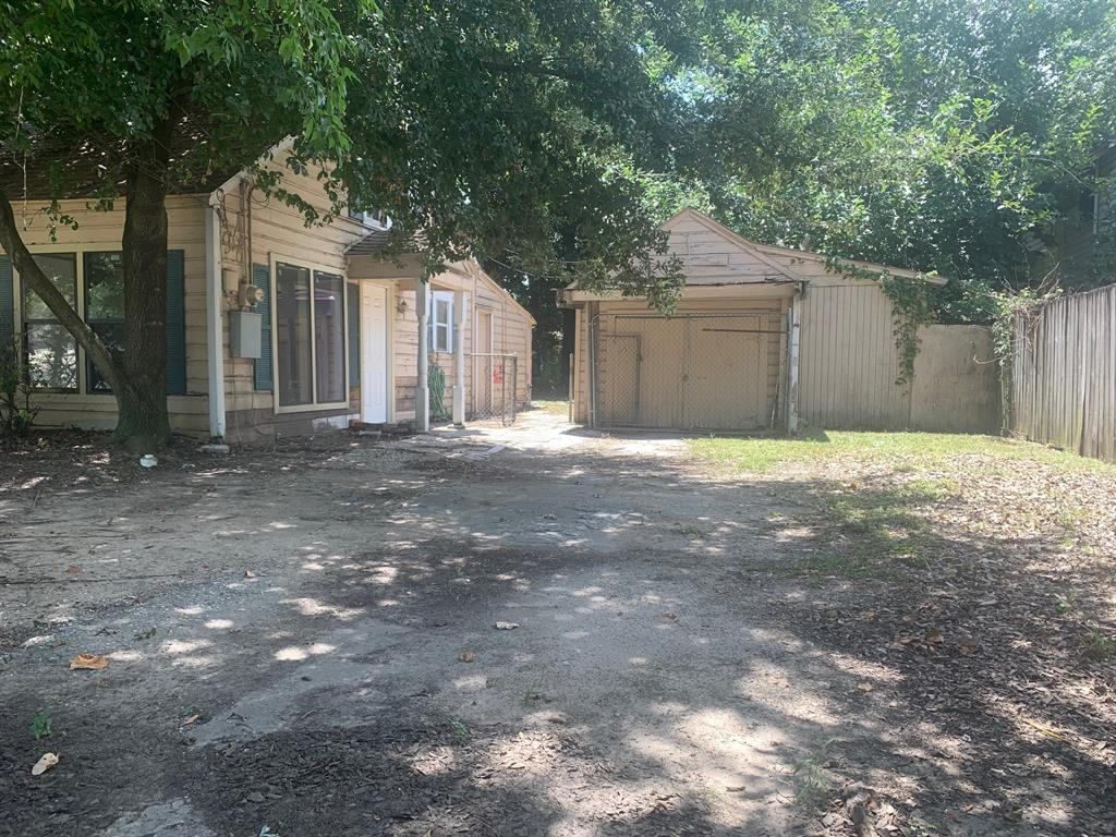 Off Market | 1206 Kelley Street Houston, Texas 77009 2
