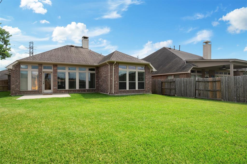 Pending   13712 Rainwater Drive Pearland, Texas 77584 23