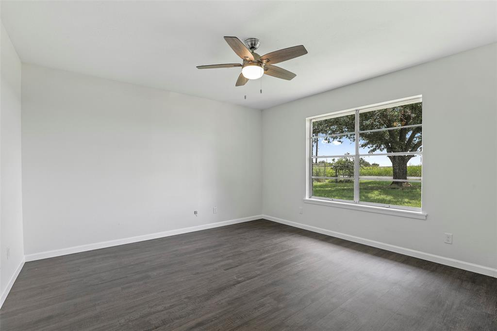 Pending   17304 Aa Bumgarner Road Justin, Texas 76247 32