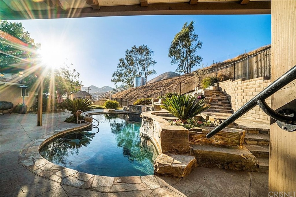 Active | 33550 Domino Hill Road Agua Dulce, CA 91390 10