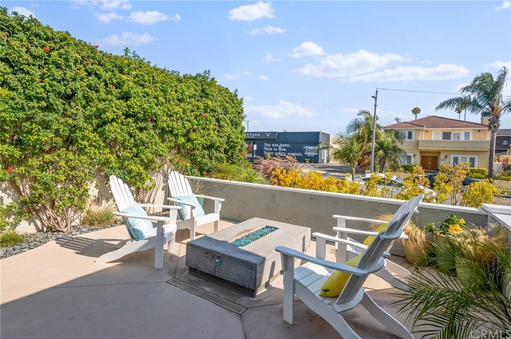 ActiveUnderContract | 231 Avenue D Redondo Beach, CA 90277 8
