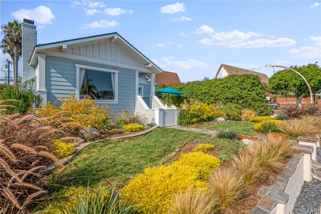 ActiveUnderContract | 231 Avenue D Redondo Beach, CA 90277 6