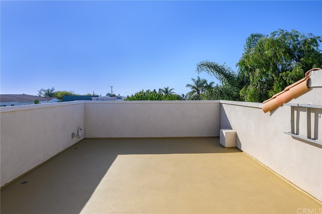Active | 215 S Irena Avenue #B Redondo Beach, CA 90277 56