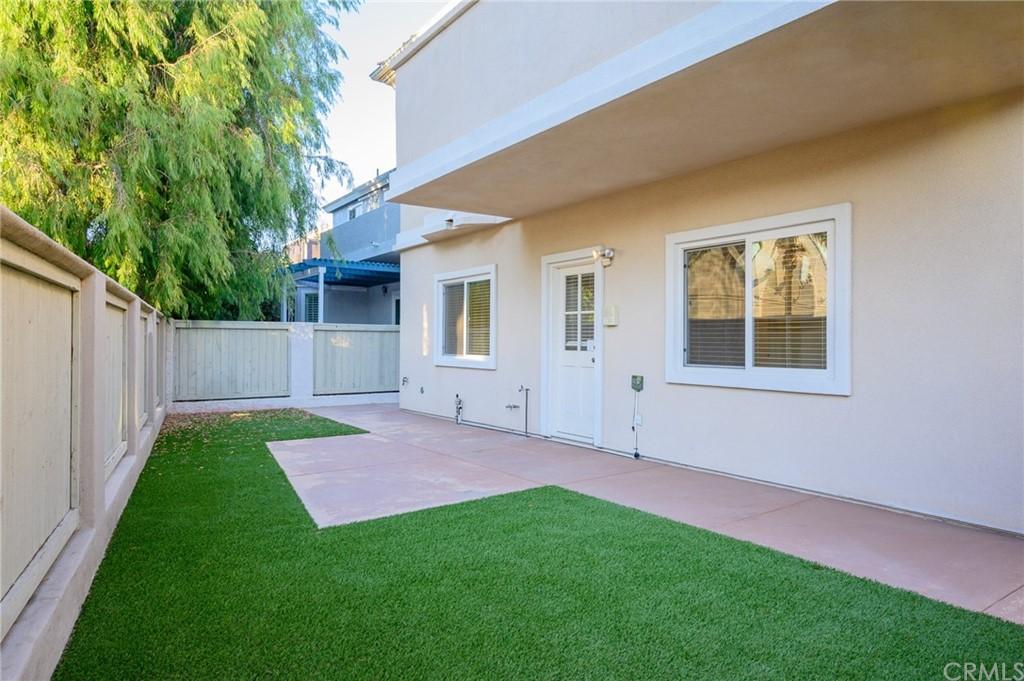 Active | 215 S Irena Avenue #B Redondo Beach, CA 90277 10