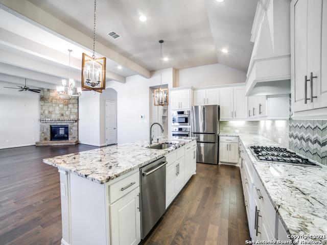 Active Option | 21907 RUGGED HILLS San Antonio, TX 78258 12