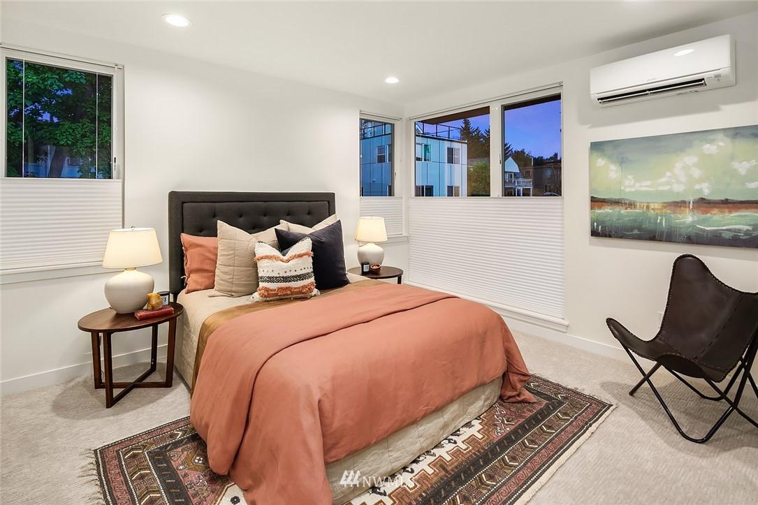 Sold Property   2366 Franklin Avenue E #A Seattle, WA 98102 12