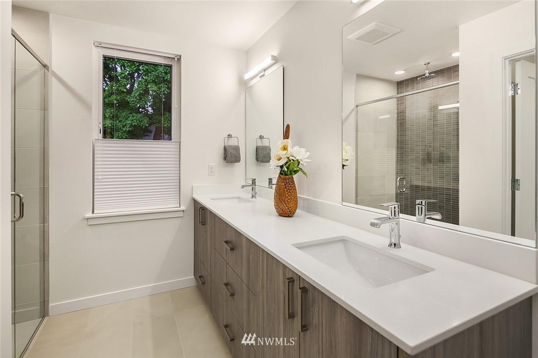 Sold Property   2366 Franklin Avenue E #A Seattle, WA 98102 13