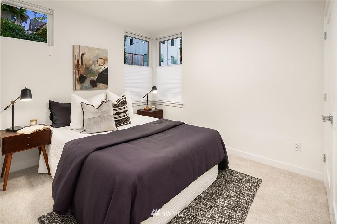 Sold Property   2366 Franklin Avenue E #A Seattle, WA 98102 15