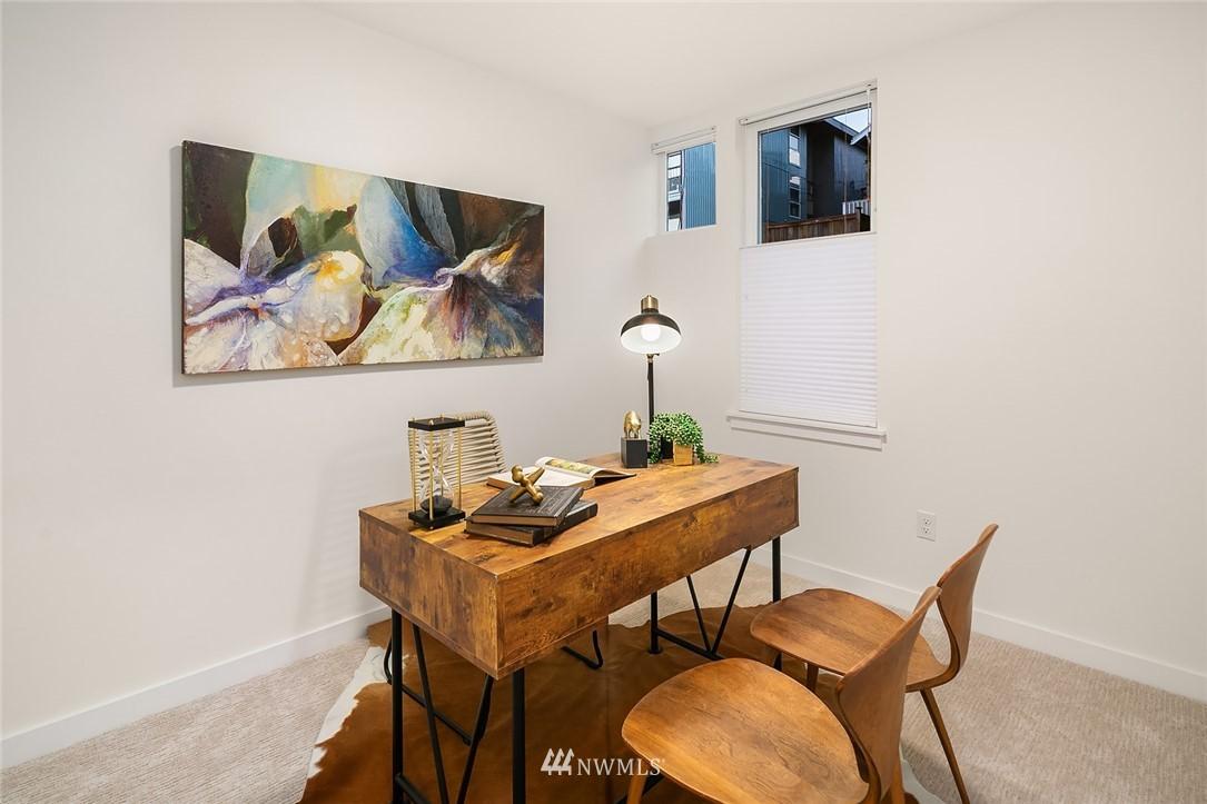 Sold Property   2366 Franklin Avenue E #A Seattle, WA 98102 17