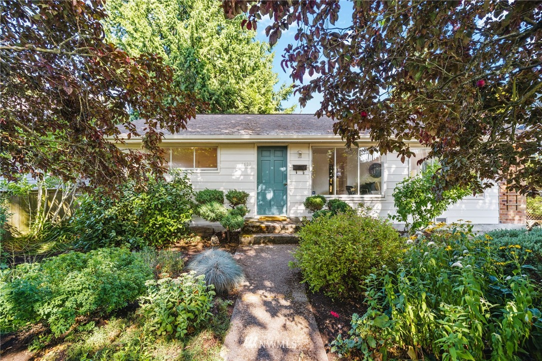 Sold Property | 8430 12th Ave SW Seattle, WA 98106 0